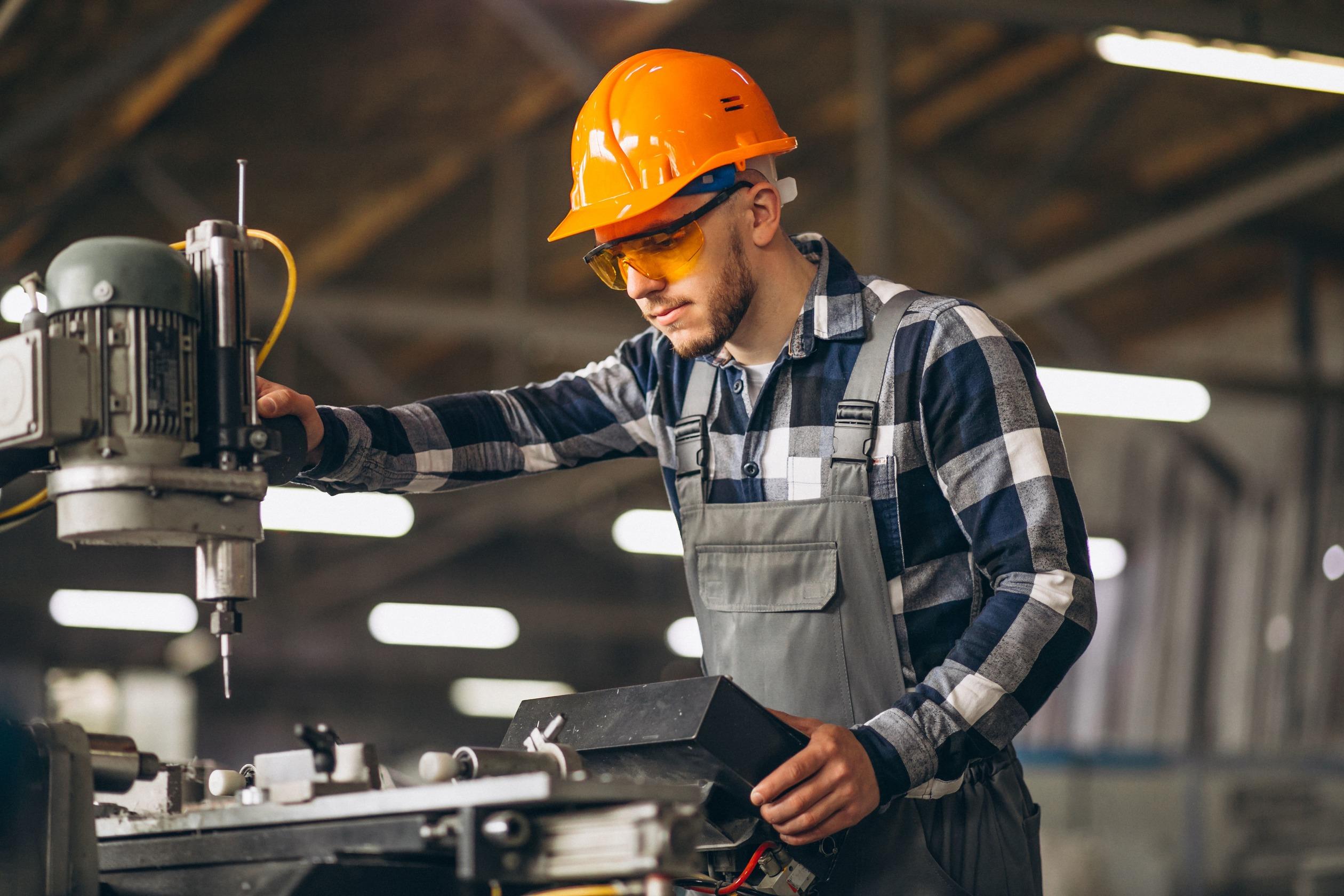 male-worker-factory-min_50.jpg